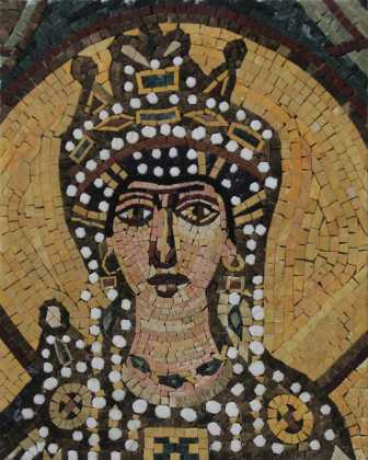FG1055 Coronation Of A Queen Covered With Gold Marble Mosaic